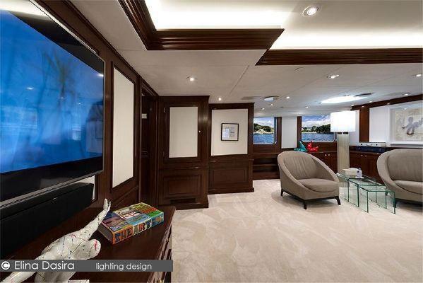 Chakra Yacht 16